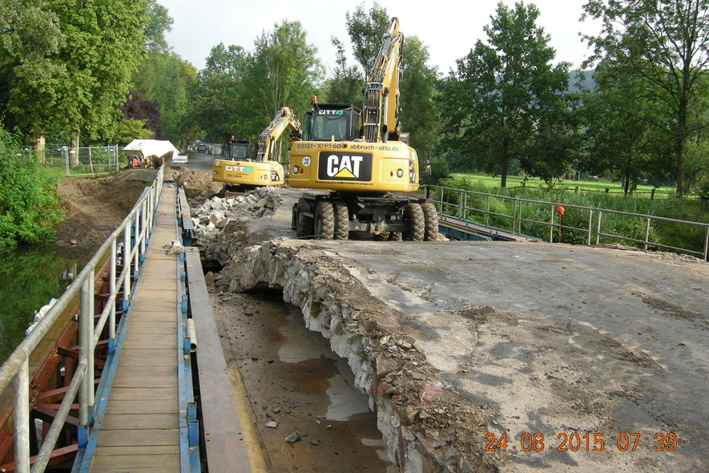 bagger Rückbau Freienwalder Brücke – Bad Pyrmont